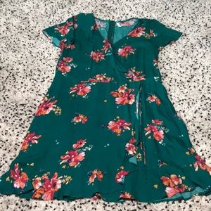 Green floral v neck mini